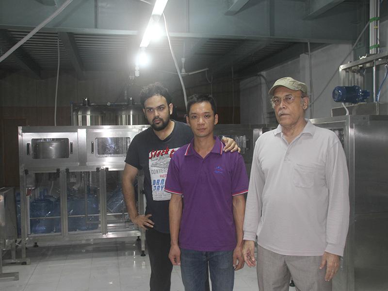 Shenzhen J&D Drinking Water install&train 5 Gallon Filling Line in Bangladesh