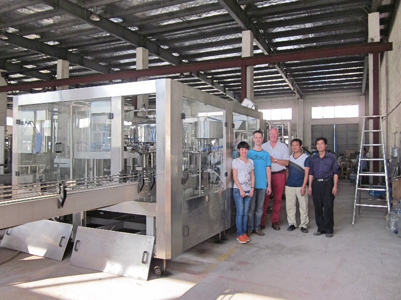 Shenzhen J&D Drinking Water installed and commissioned beverage filling machine&liner in Holand